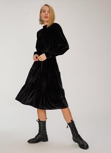 People By Fabrika Büzgülü Kadife Elbise Siyah